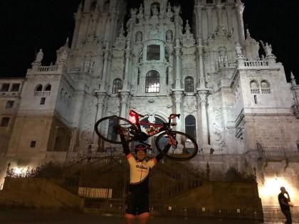 Ziortza Villa primera mujer que realiza el Camino de Santiago Non-Stop en bicicleta