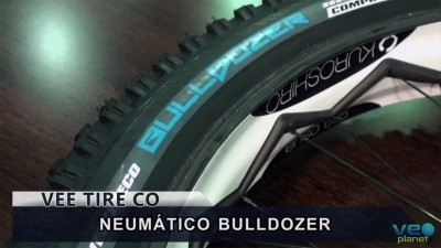 Vídeo: Neumático Vee Tire BULLDOZER para Fatbike