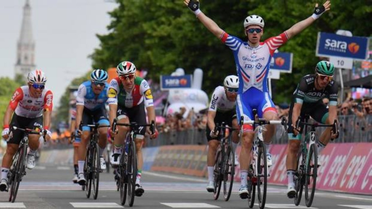 Vídeos Giro de Italia: Arnaud Demare gana tras el descanso
